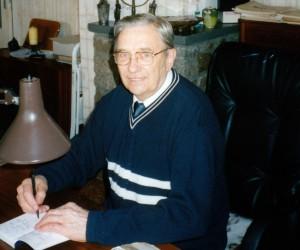 Bild 8: In den letzten Jahren vor seinem Tod arbeitete Martin Selber als Journalist und Schriftsteller (hier 1999 an seinem Schreibtisch).