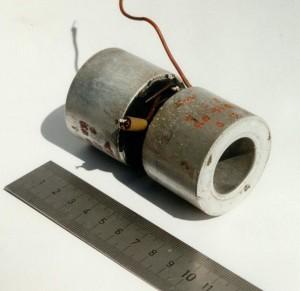 Bild 4. Bombenzünder-Kondensatoren aus dem Gerät des Verfassers.